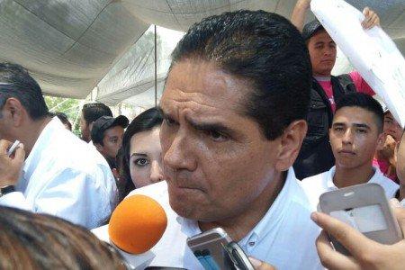 silvano_aureoles_conejo-michoacan